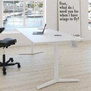Switch Design Hæve-/sænkebord i laminat