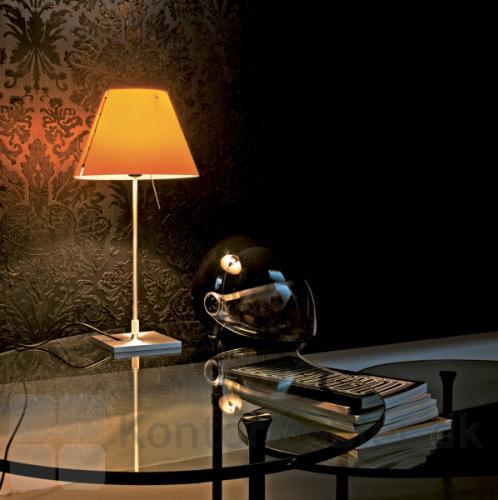 Costanzina som læselampe med orange skærm og bord fod