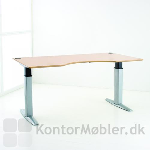 501-23 hæve sænke bord fra Conset. Pladen har center udskæring og kan bestilles i ahorn eller bøg finér