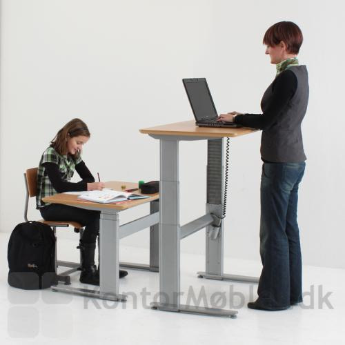Hæve sænke bord til både de små og de større