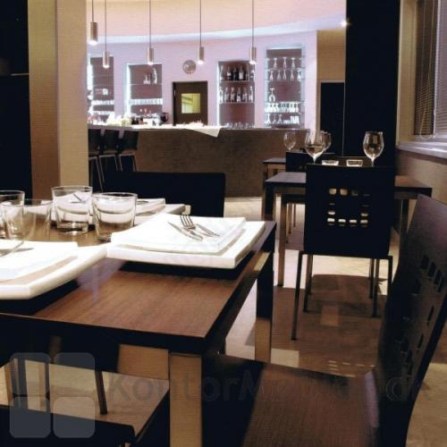 Kuadro som bord i restaurant - her med Wenge bordplade