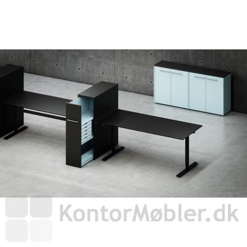 Sorte linoleums borde med udtræksskabe - alt fra Dencon