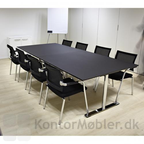 Dobbelt mødebord i linoleum fra Dencon. Her med ben og fødder i krom