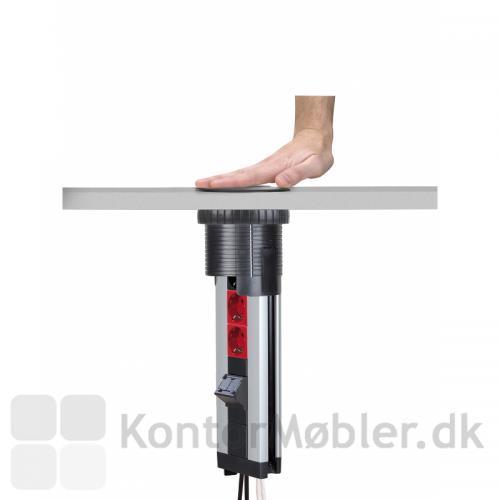 Powerlift kan trykkes ned i bordpladen