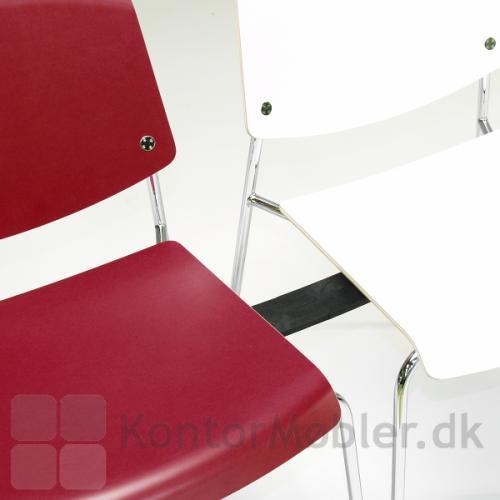 Pause mødestol fra Magnus Olesen i hvid og i rød