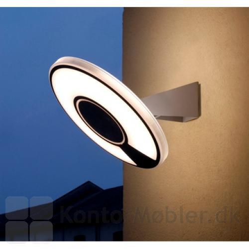 Light Disc væglampe med opal skærm