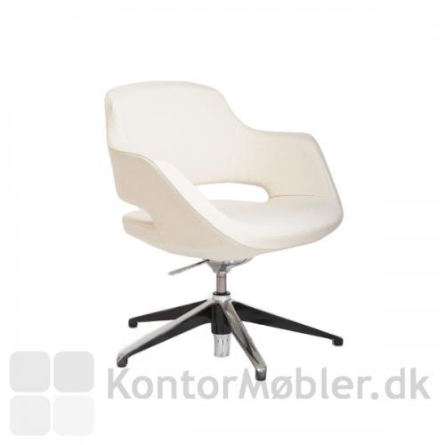 Meet er en komfortable mødestol med drejefunktion og gasfjeder
