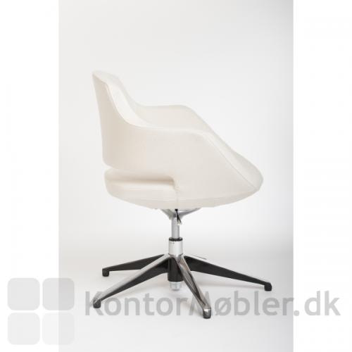 Lav Meet stol med sædehøjde 40-50 cm, max højde 83 cm uden hjul