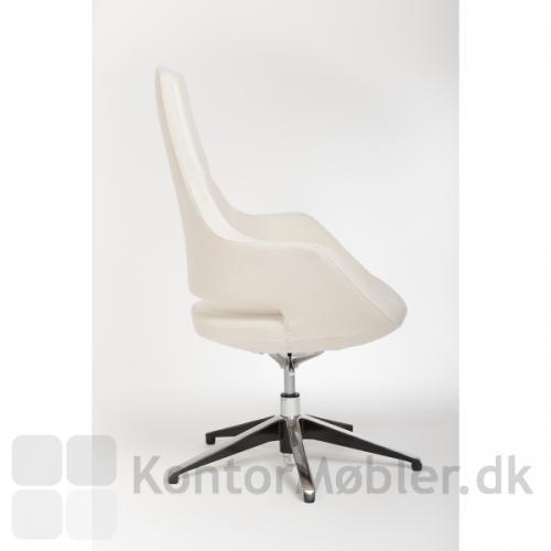 Mellem Meet med sædehøjde 40-50 cm, max højde 108 cm uden hjul