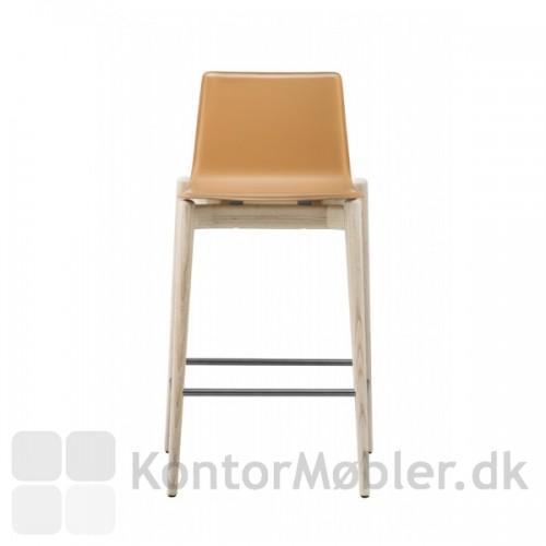 Malmö barstol med cognac læder.