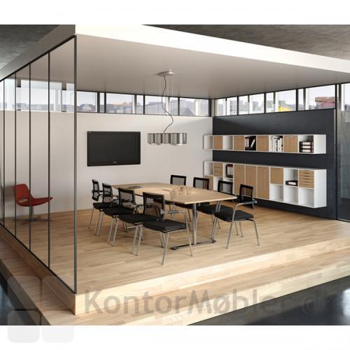 240 cm konferencebord i lys ahorn-finer med 8 Skin stole