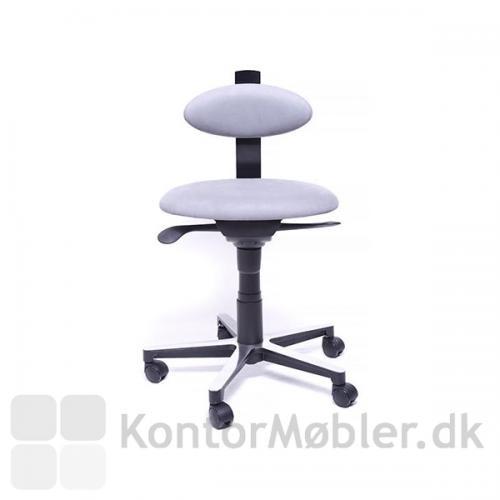 Spinella RAW kontorstol er helt enkel i sit design