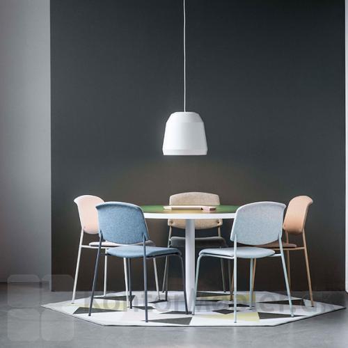 Pause mødestol med polstret sæde og ryg