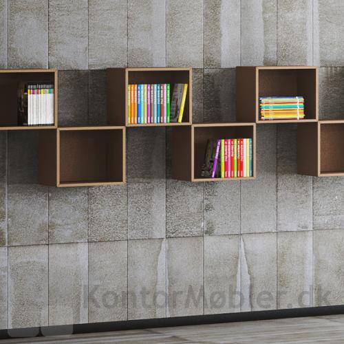 Bogkassen med 1 rum kan vælges i mange farver og hænges op efter ønske
