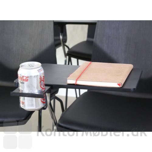 Inno®Note har både plads til computer og drikkevarer