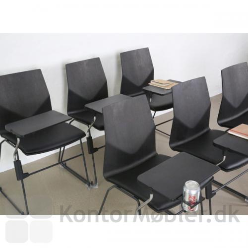 Det smarte Inno®Note forvandler let kantine- eller mødestole, så de er klar til skole- eller konferencebrug
