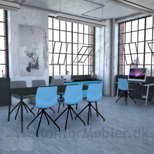 Four Sure 11 mødestol med Aqua blå skal og sorte ben