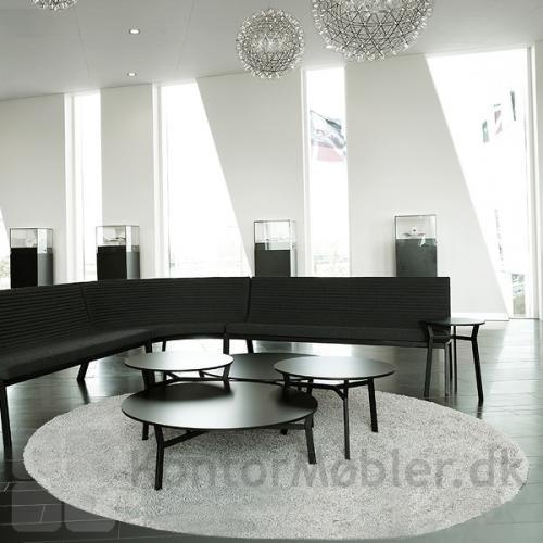 Sputnik bord fra Magnus Olesen, kombiner størrelserne i indretningen