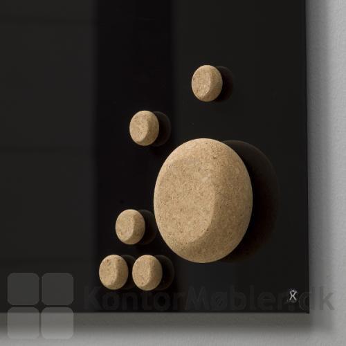Kork magneter på Mood tavle