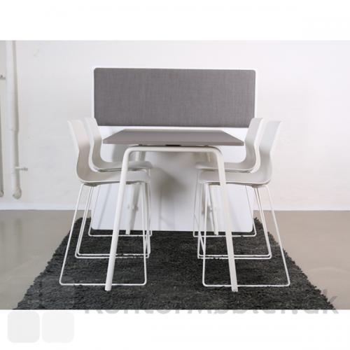 RinR rumdeler til bordhøjde 90 cm med Akustikpanel