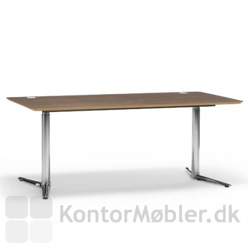 Switch hæve-/sænkebord med finer bordplade og krom stel