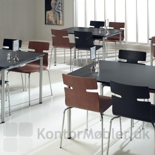 Zing bord i kantine miljø med whisper stole