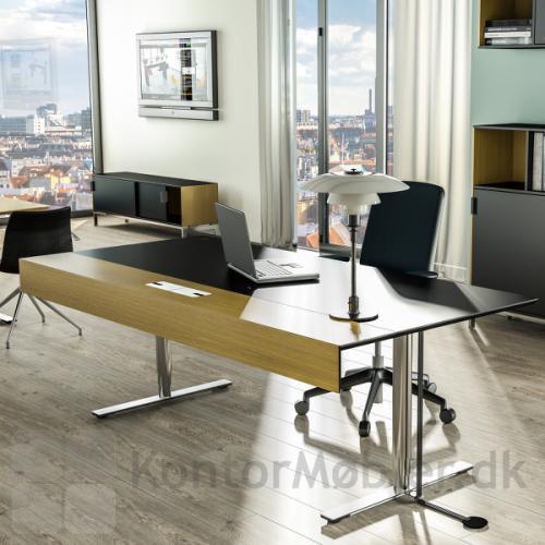 Delta X chefbord set i et chefkontor miljø fra fronten