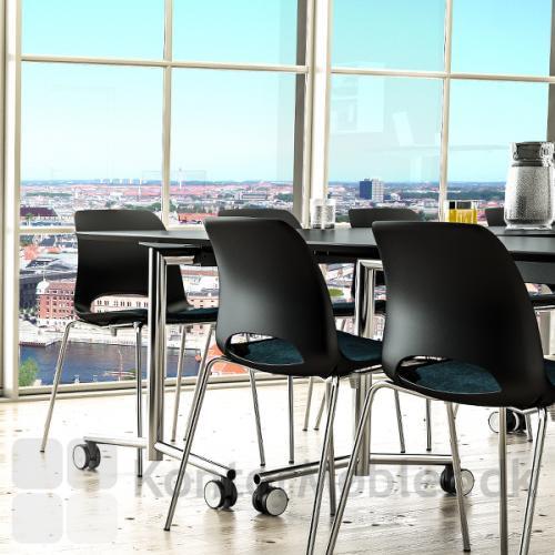Frigg stolen i et mødelokale
