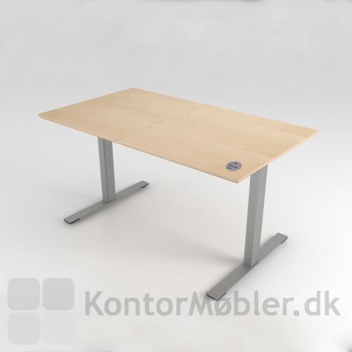 bordkanp fra dencon set på et fuld bord