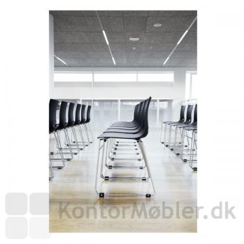 Groovy stol med meder, her med koblingsbeslag