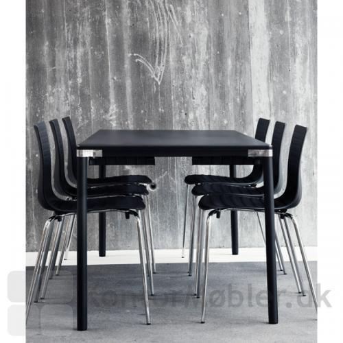 Groovy stol fra Labofa med krom ben