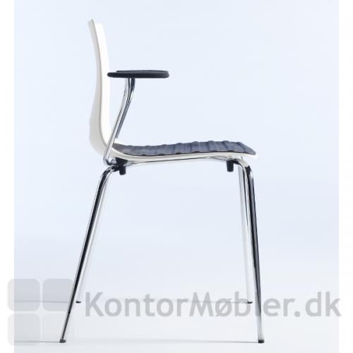 Groovy stol med hvid skal og armlæn