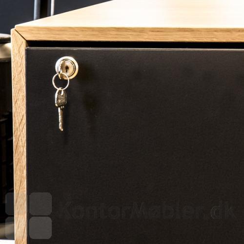 Udtræksskabe kan vælges med lås, se relaterede produkter