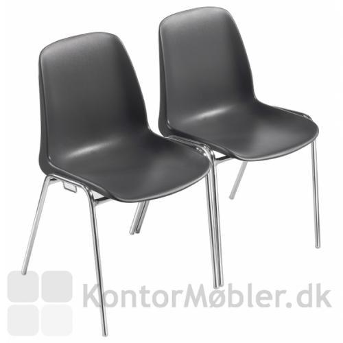 Selena stolene kan kobles sammen med koblingsbeslag
