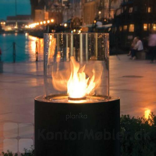 Totem biopejs med levende flammer