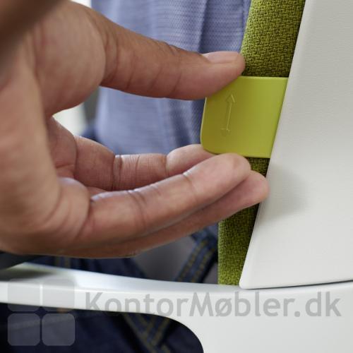 Connex2 kontorstol reagerer automatisk efter kroppens bevægelser - ryglænet kan justeres i højden