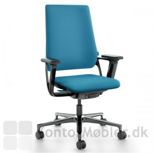 Connex2 kontorstol med sort armlæn og stel - styreknapperne i blå