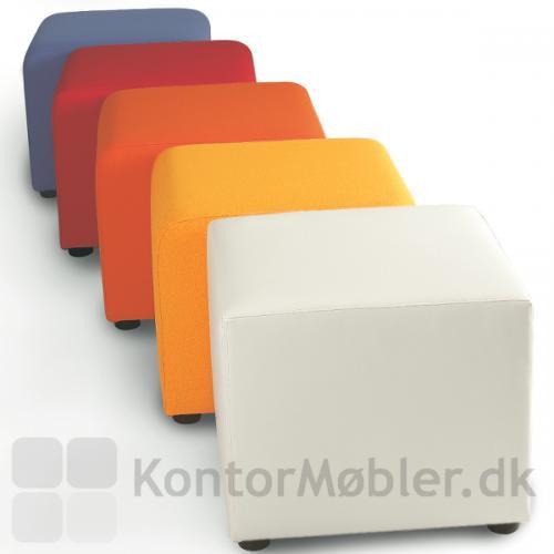 Kvadratisk puf kan vælges i mange farver
