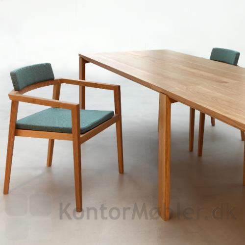 Session mødebord har samme stramme tidløse design som Session stolen