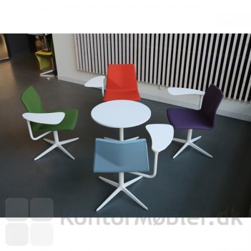 Four Design Lounge med Inno®Lounge skriveplade, giver fleksible møde og undervisnings løsninger