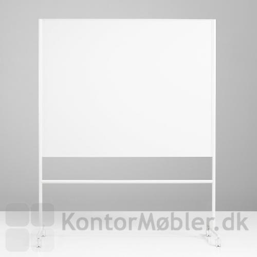 One mobil whiteboard med dobbeltsidet skrivetavle og hvidt stel