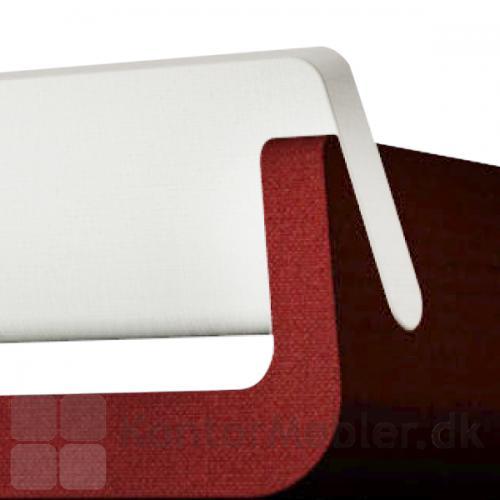Alfa & Omega stol har adskilt ryg hvilket giver stolen et unikt udseende