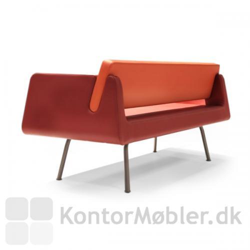 På Alfa & Omega sofa kan ryggen adskilles fra sædet