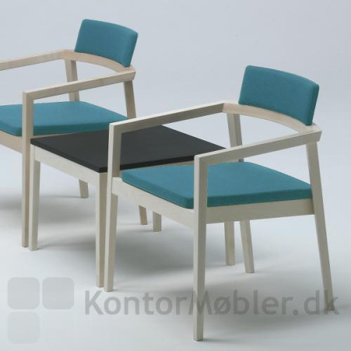 Session bord og lounge stole til venterum