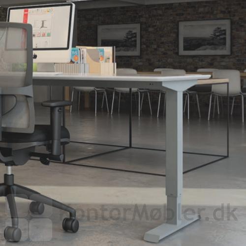 Conset 501-33 hæve sænke bord med to-leddet stel