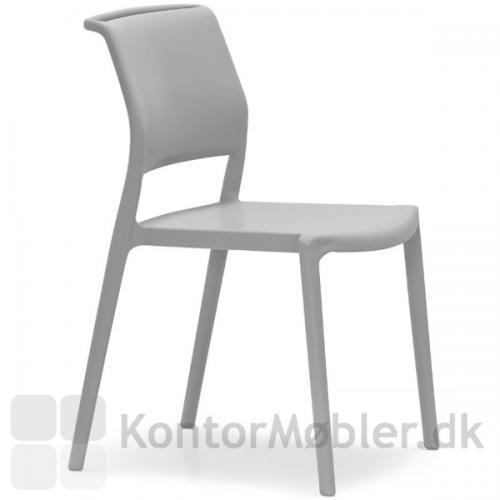 Elegant ARA stol i lys grå