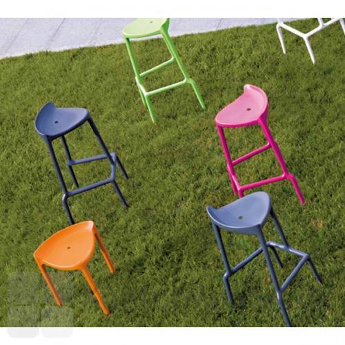 Happy barstol kan vælges i 6 flotte farver