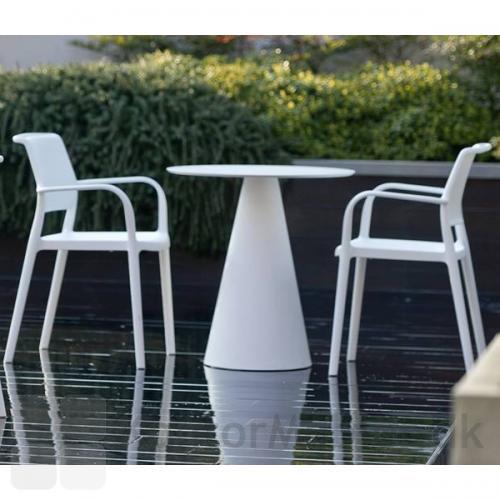 Ara stolen er robust med et let design