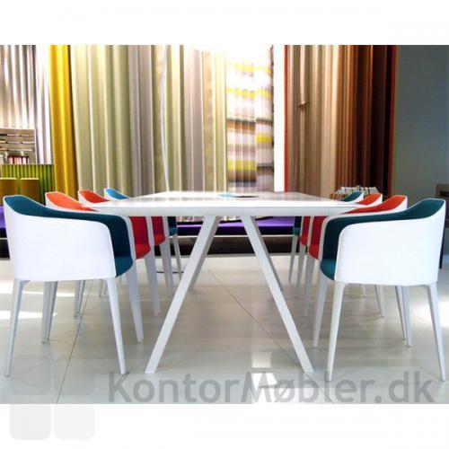 ARKI mødebord vil pryde ethvert kontor eller mødelokale med dets enkle design og rene linjer