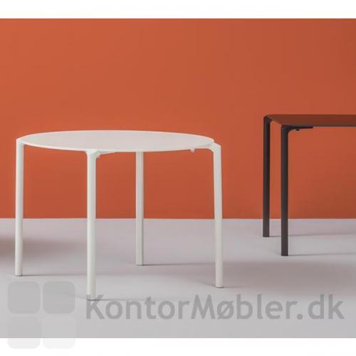 Det runde Jump bord med bordplade størrelse  Ø89 cm og Ø99 cm har 4 bordben